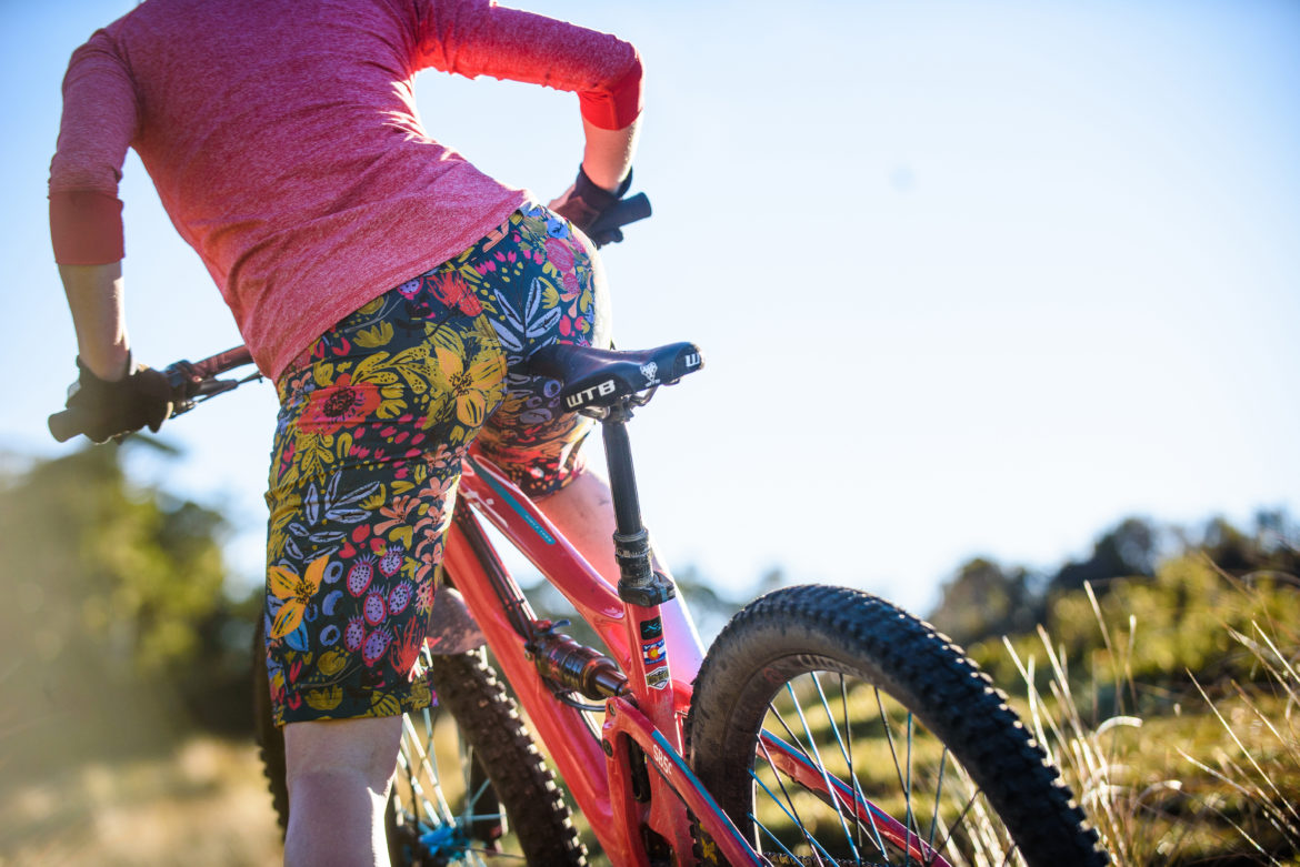 womens mountain bike shorts