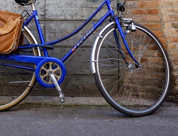 remove bike pedals