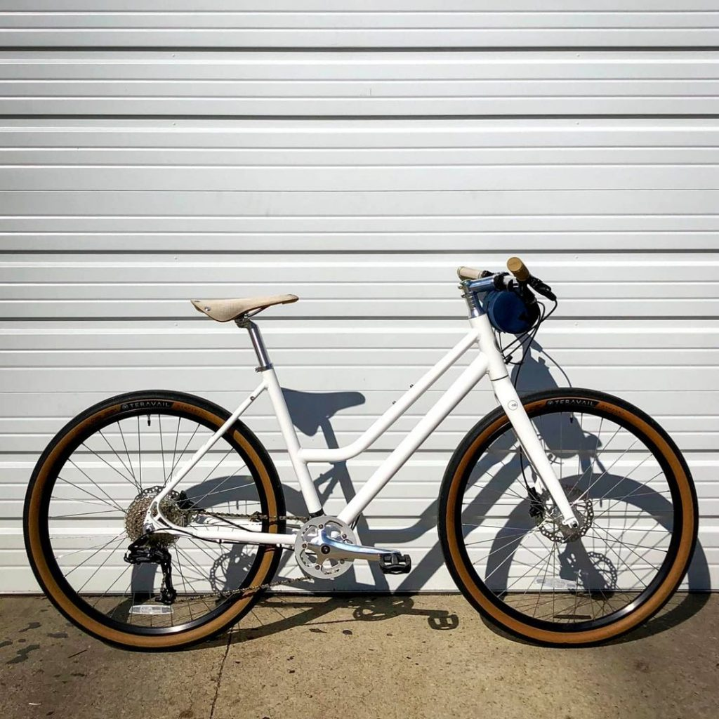roll hybrid bike