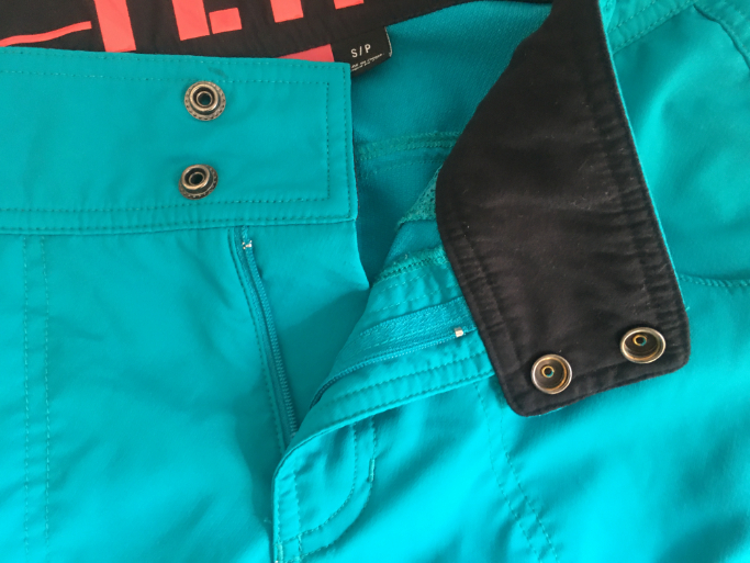 norrie zipper and buttons